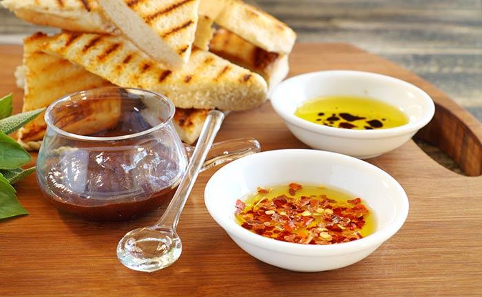 dip met olijfolie