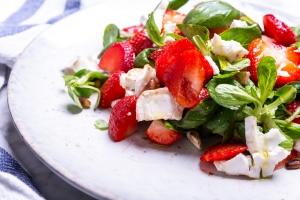 Gezond recept: zomersalade met aardbei en balsamico 3